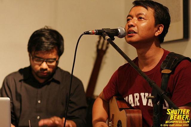 Pandai Besi live at Rukustik #5:Perayaan 10 Tahun Kineruku-33
