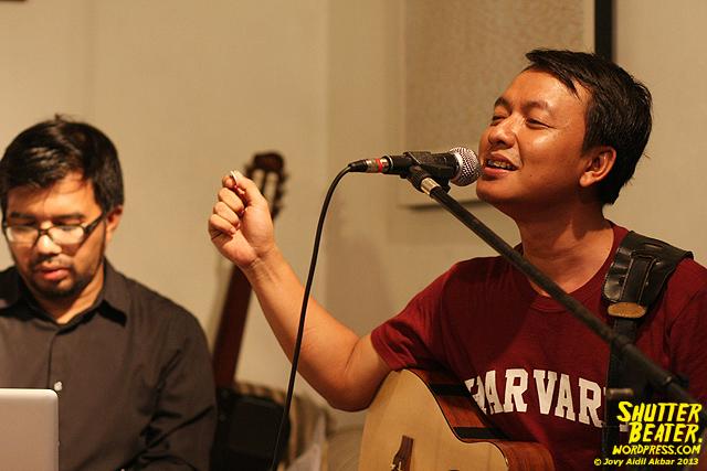 Pandai Besi live at Rukustik #5:Perayaan 10 Tahun Kineruku-34