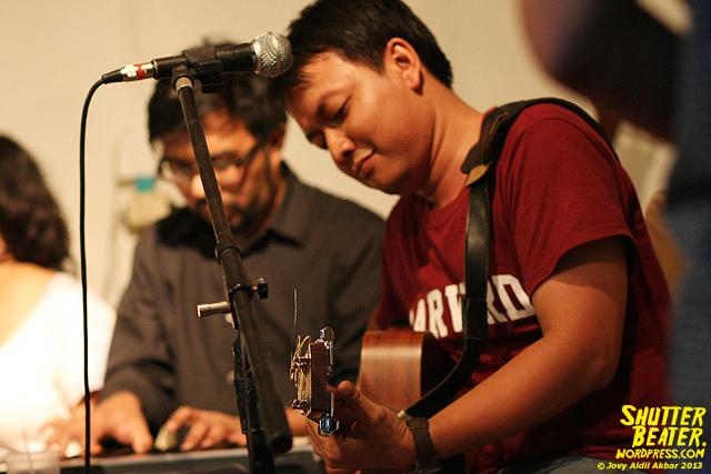 Pandai Besi live at Rukustik #5:Perayaan 10 Tahun Kineruku-41