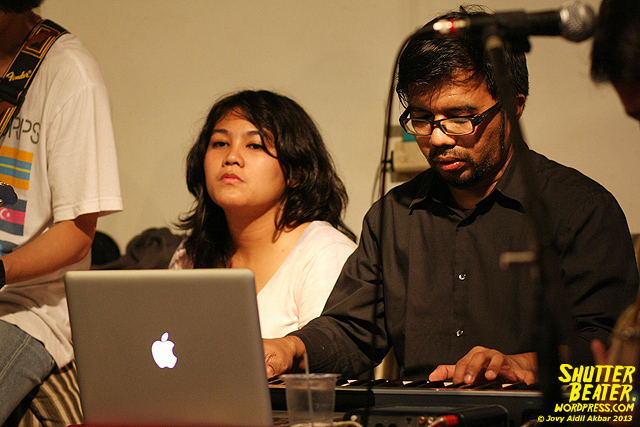 Pandai Besi live at Rukustik #5:Perayaan 10 Tahun Kineruku-43