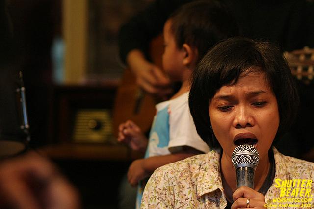 Pandai Besi live at Rukustik #5:Perayaan 10 Tahun Kineruku-45