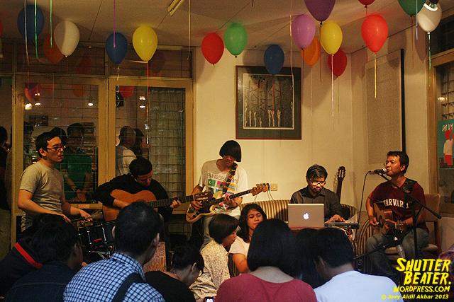 Pandai Besi live at Rukustik #5:Perayaan 10 Tahun Kineruku-48