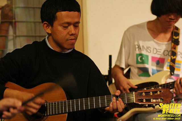 Pandai Besi live at Rukustik #5:Perayaan 10 Tahun Kineruku-50