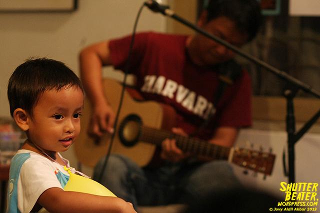 Pandai Besi live at Rukustik #5:Perayaan 10 Tahun Kineruku-52