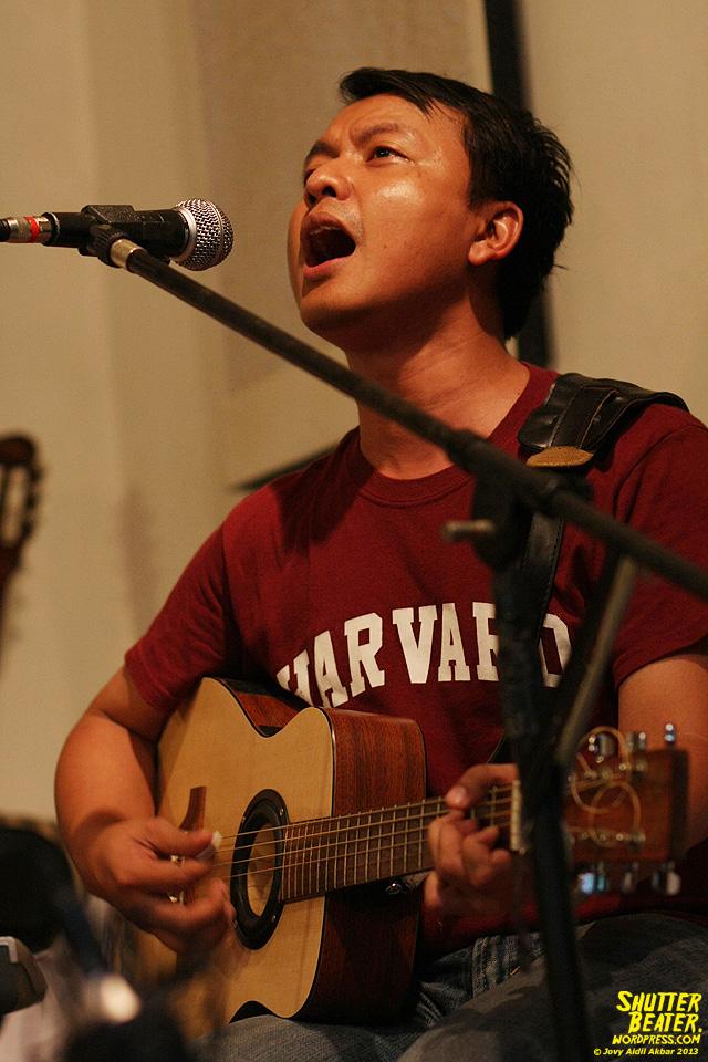 Pandai Besi live at Rukustik #5:Perayaan 10 Tahun Kineruku-53