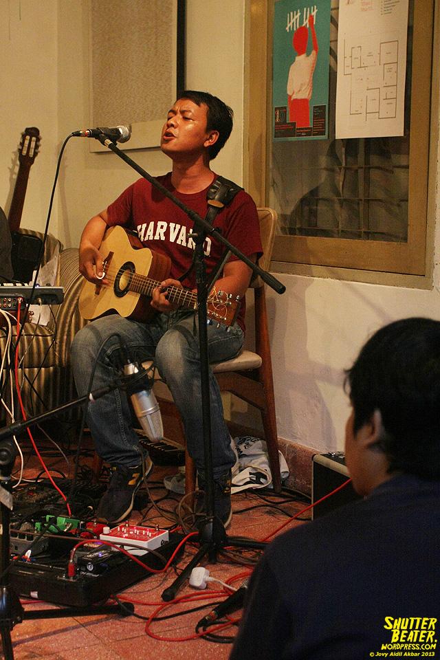 Pandai Besi live at Rukustik #5:Perayaan 10 Tahun Kineruku-54