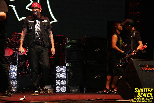 Seringai at Bandung Berisik 2013-24