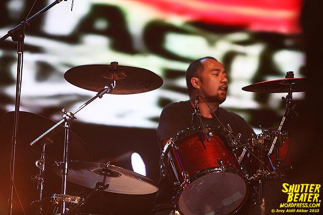 Seringai at Bandung Berisik 2013-4