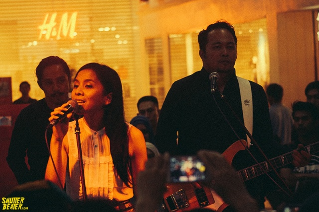 Mocca at H&M Opening-8
