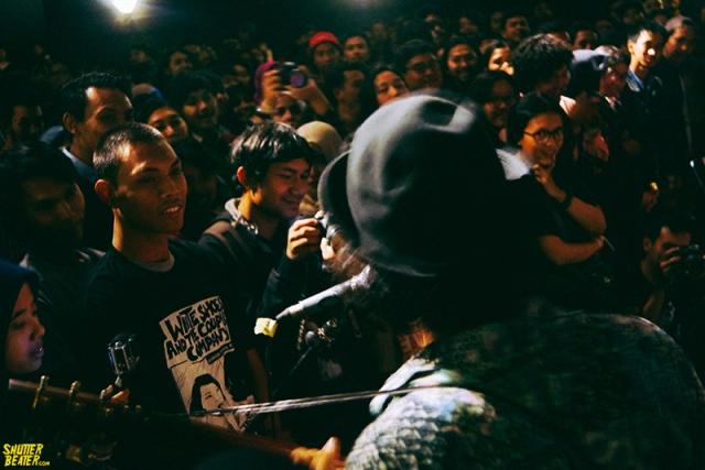 Tetangga Pak Gesang & Pemandangan at Konser Di Kota Kembang-11