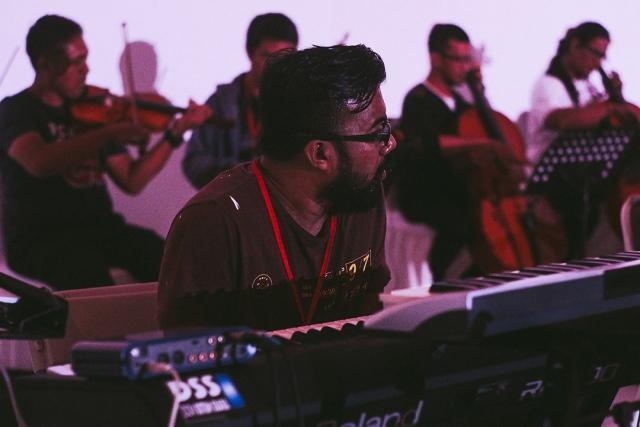 Konser Sinestesia-10
